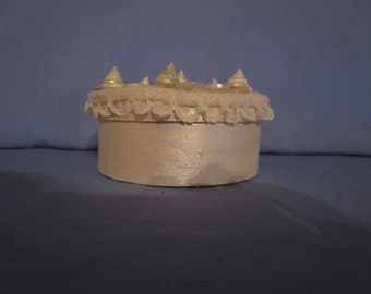 shell button lace wooden box
