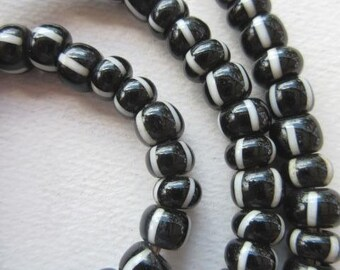 African Trade Beads -Striped Padre Glass Beads (9x6mm) [62602]