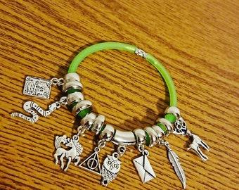 Customizable bracelet inspired by Harry Potter