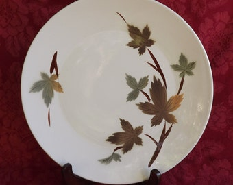 Primastone Autumn Leaves - Round Serving Plate / Platter