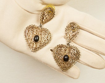 Gold Dangle Pierced Earrings, Heart shaped, Filigree design with Jet or Onyx colored oval stone, Morocan or India flavor, Lightweight
