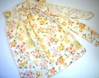 Vintage Apron 1950's  Floral Design Cotton Fabric Peach Flowers White Background Collectible Floral Design Kitchen Apron Dining Made In USA