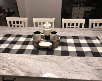 Farmhouse Buffalo Plaid Check Table Runner, Large 3 Inch Plaid, Country Cottage Decor, Shabby Chic Kitchen Table Centerpiece, Simple Home