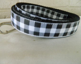Black and White Buffalo Plaid Dog Leash