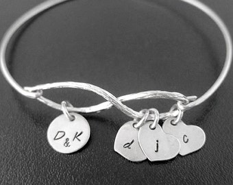 Personalized Mothers Bracelet, Personalized Mothers Day Jewelry, Family Infinity Bracelet, Sentimental Gift for Mom, Sentimental Bracelet