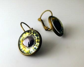 Boucles d'oreilles oeil goth / / Alice WastelandS post apocalyptique bijoux / / fabrication artisanale de bijoux oeil en laiton