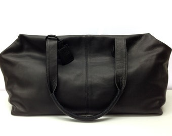 Sale!!! Leather duffle travel bag - extra large leather carry all - mens leather weekend bag - Black leather