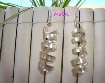 Golden light, Golden, coiled ribbed flat aluminum Wire Earrings