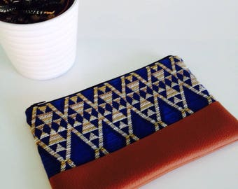Pouch pattern sleeveless blue and camel leather