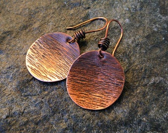 Hammered copper disc earrings, Ombre oxidized earrings, Circle earrings, Artisan jewelry