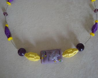 Necklace made of corrugated cardboard, purple and yellow