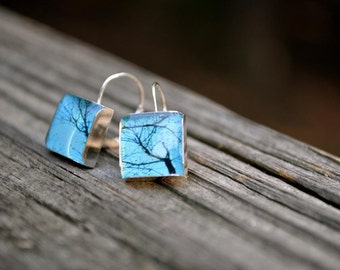 ENCHANTED. Lever-back dangle earrings. (Sterling Silver)
