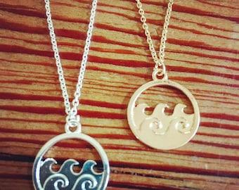 Wave disc necklace