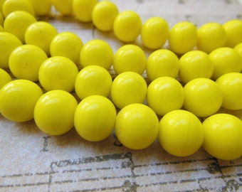 Vintage  Beads (20+) Japanese glass yellow sunshine opaque rounds Japan 8mm rounds (20+)