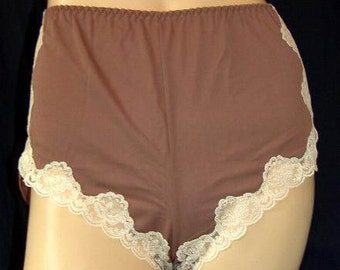 Vintage Panties 1970s BNIB French Knickers by Warners - Mocha and Cream