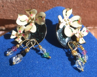 Lunch at the Ritz Earrings - White Dogwoods, Hand Signed, Pierced - Free US Shipping - Vintage - Fabulous!