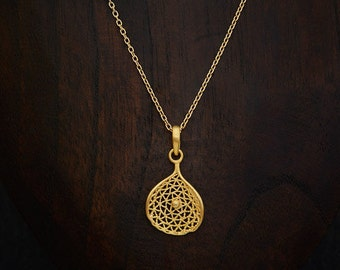 Gold Pendant Necklace, Gold Mesh Pendant, Lattice Work, Gold Filigree Pendant, Gold Vermeil