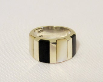 Vintage Sterling Silver Inlay Black Oynx & Mother of Pearl Band Ring Size 7
