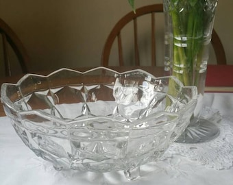 Reduced Pretty Art Deco footed fruit bowl/pressed glass round serving bowl c1940/UK seller