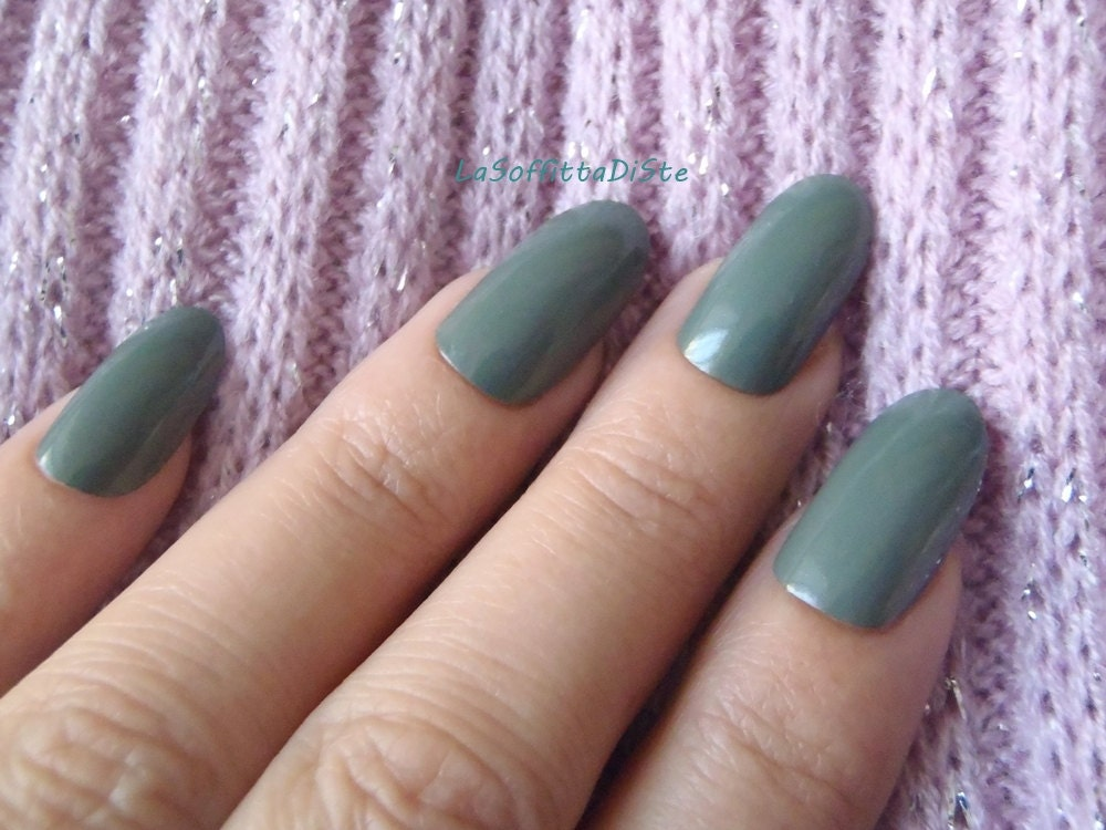 fake nails olive green almond oval shape nails hand painted