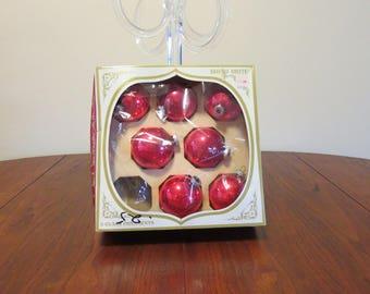 "Lot 7 vintage 1950s 1960s Shiny Brite Christmas tree ornaments decorations red glass original box 2 1/2"" diameter (52017cc)"