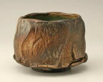 brown and black earthy teabowl, faceted chawan, rustic japanese tea bowl, antique yunomi, stoneware cup, Shikha