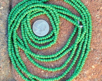 Small Glass Beads -Kelly Green 3 Strands
