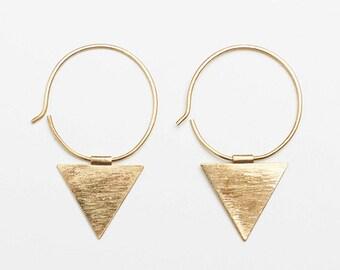 Triangle dangle brass earrings, triangle earrings, brass earrings, traingle brass earrings, triangle jewelry, brass jewelry, geometric