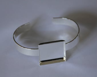 5 x Silver plated solid bangles with 25mm bezel tray- square