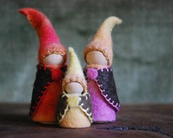 Gnome family, Waldorf / Steiner toys