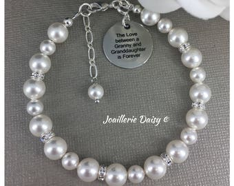 Gift for Grandma The Love between a Granny and Granddaughter is Forever Grandma Jewelry Pearl Bracelet Jewelry Wedding Gift for Granny