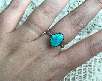 Sz 9.5 Turquoise and sterling silver solitaire ring
