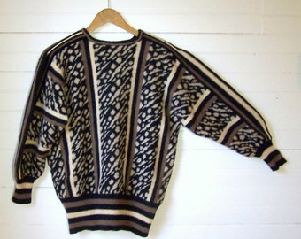 SCOTTISH DESIGNER SWEATER - Animal Print & Striped Pullover - Pure New Shetland Wool - Size Medium
