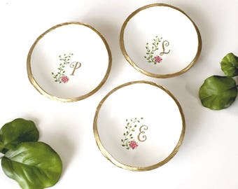 Personalized Ring Dish / Floral Monogram Jewelry Dish / Personalized Jewelry Dish /Gifts for Her / Bridesmaids Gift