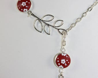 "Necklace ""Laurette"" 2 cabochons 12 mm flowers white background Red"