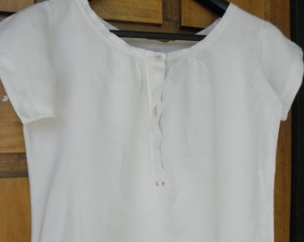 Fine linen for woman, embroidered shirt red LP, size 40-42