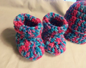 Baby hat and bootie set, 0-3 months, Baby booties and beanie, Baby beanie, Beanie and baby shoes, Crochet baby shoes and beanie,