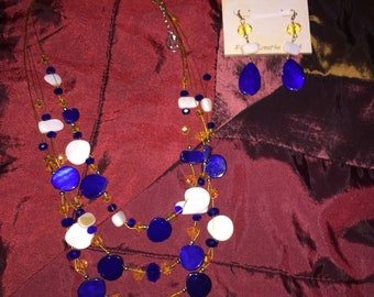 Gorgeous Erica Lyons necklace and earring set
