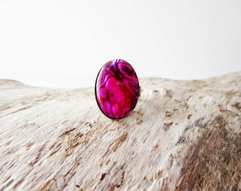 Pink paua ring.  Hot pink paua shell.  Large paua ring.  18x25 ring.  Abalone ring.  Antique brass ring.