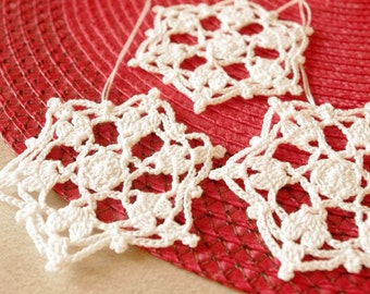 Crochet snowflakes Crochet ornaments White Crochet decor White snowflake Small crochet snowflake Christmas snowflakes S9