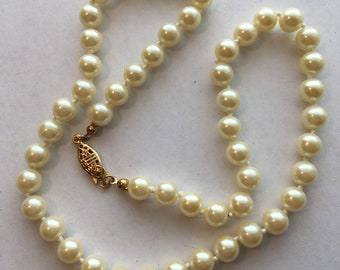 Vintage Avon Faux Pearl Hand Knotted Pearl Necklace