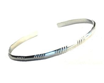 Retro Monogamist SS - Mens - Womens - Pattern 5 - Very Simple Bracelet - Patterned Bangle - Sterling Silver 925