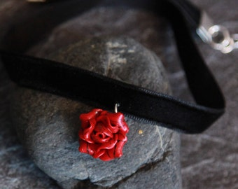 Coral choker Flower choker Necklace choker Red rose choker Choker pendant Gift for mom Handmade jewelry Floral jewelry Gift for women Boho