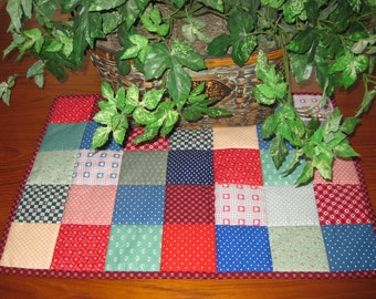 Scrappy Heart to Heart Patchwork Quilted Table Mat Topper