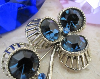 UNUSUAL DEEP BLUE Rhinestone Floral Brooch