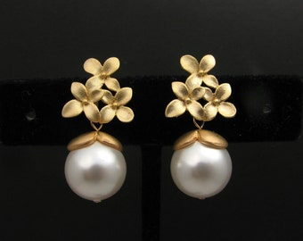 Swarovski white round pearl with gold flower post earrings- Free US shipping