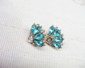 Authentic Vintage Art Deco Aqua Rhinestone Earrings - gold tone metal - Clip on style - GATSBY wedding - something blue bridal - Bridesmaid