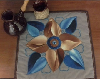 Tablecloth, landmat, covers, coverlet, a blanket for a tea party