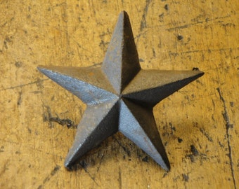 Medium Cast Iron Dimensional Stars Set of 6