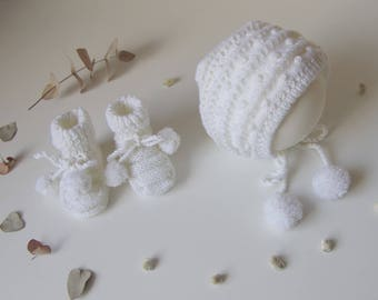 Bonnet and booties, size 0-6 months, white baby